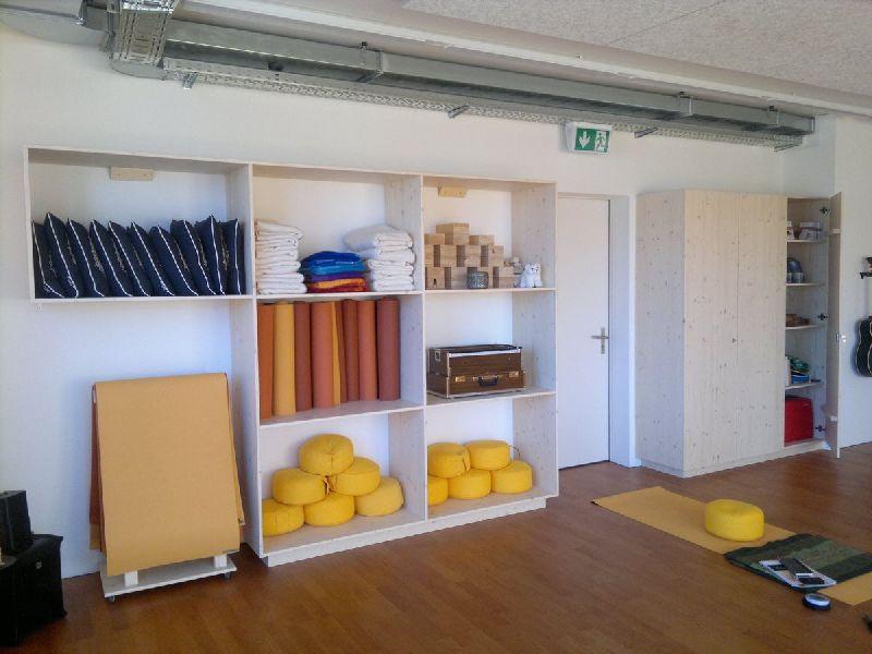 Möbel als Innenausbau im Yogastudio